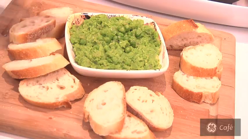 How to Make a Guilt-Free Sweet Pea and Ginger Dip