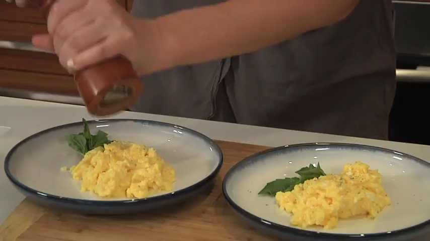 How to Scramble Eggs