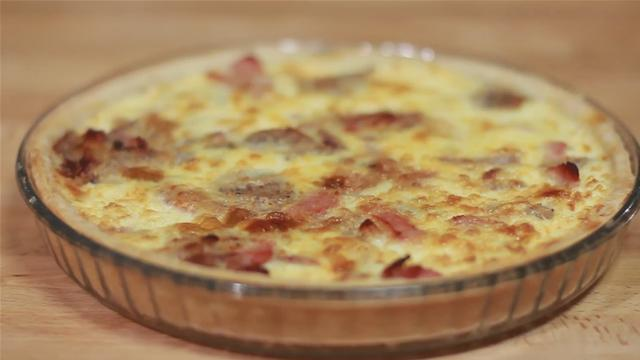 How to Make a Bacon and Sausage Quiche