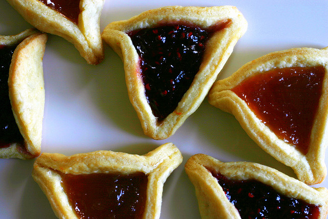 How to Make Jewish Hamantaschen Cookies For Purim