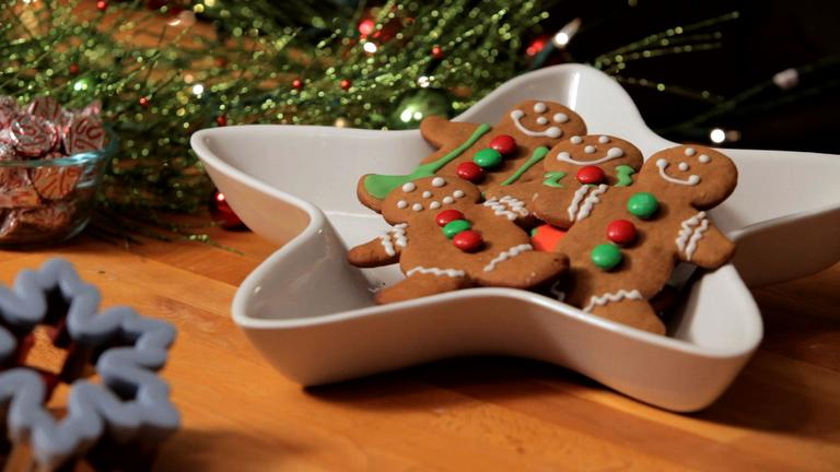 How to Decorate Gingerbread Men Christmas Cookies