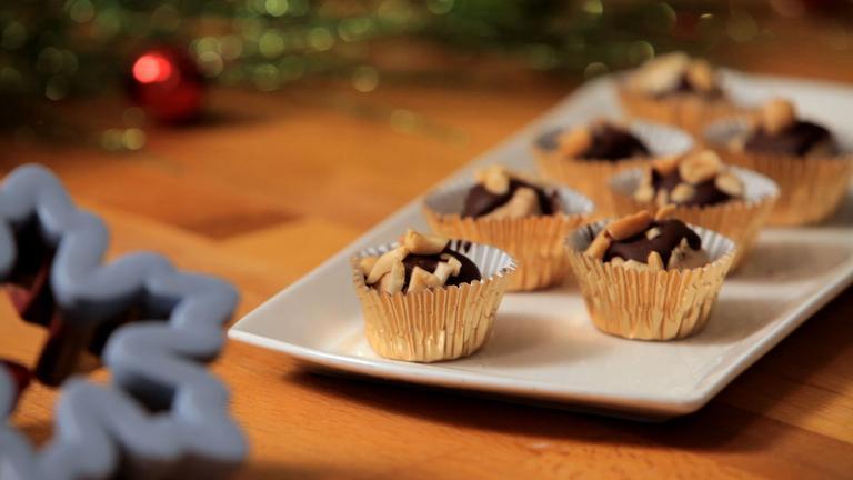 How to Make Buckeyes Christmas Cookies