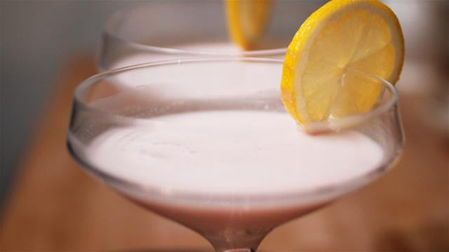 How to Make a Hen Party Cocktail
