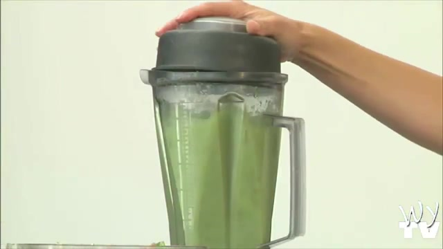 How to Make a Raw Breakfast Smoothie