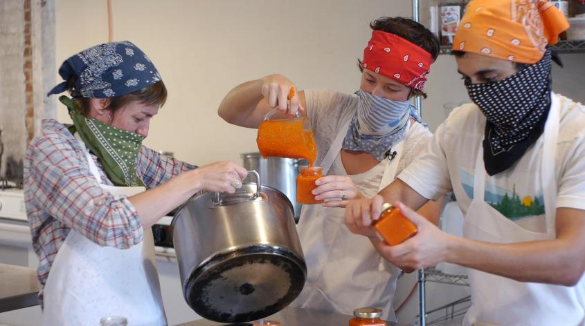 JoJo's Sriracha: Bringing More Hot Pepper Flavor to The Party