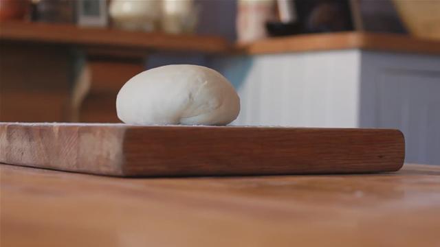 How to Prepare White Bread Dough