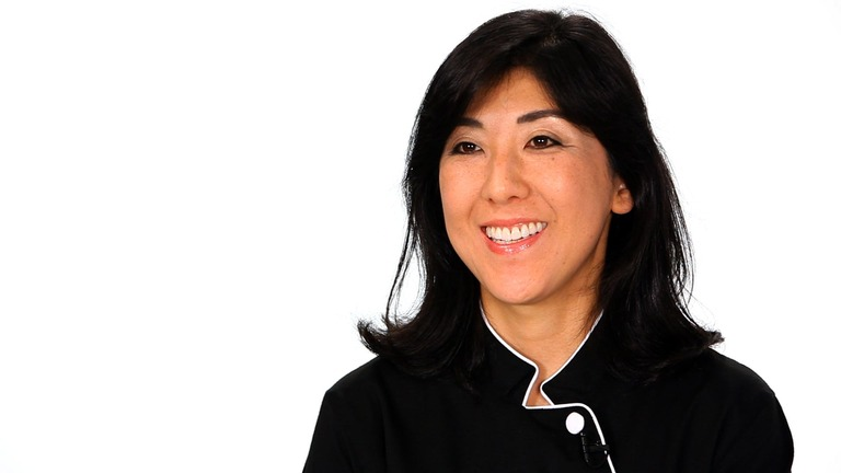 Meet Sushi Expert Mamie Nishide