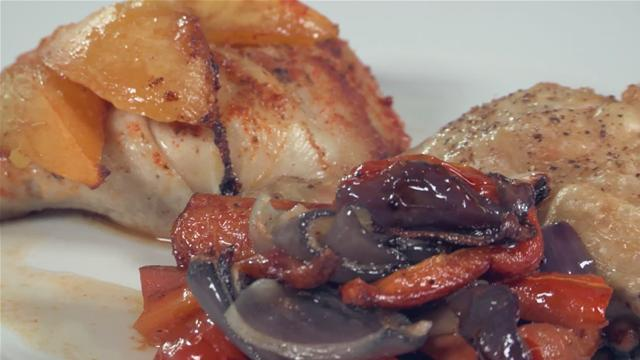 How to Make Chicken Thighs with Roasted Onions, Carrots and Tomatoes