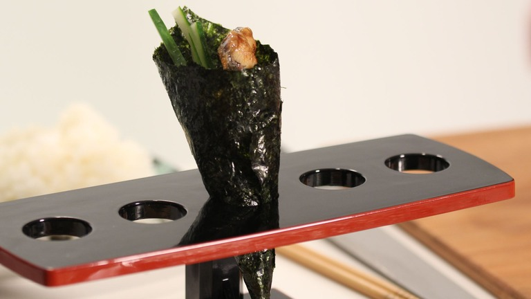 How to Make Hand Wrapped Cone Sushi Rolls