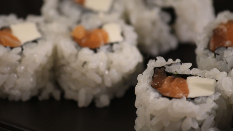 How to Make Sushi Rolls with Cream Cheese