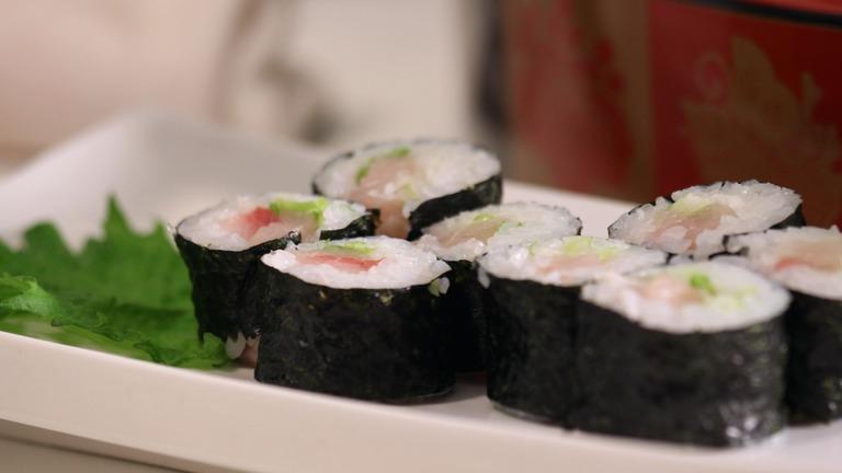 How to Make Yellowtail Sushi