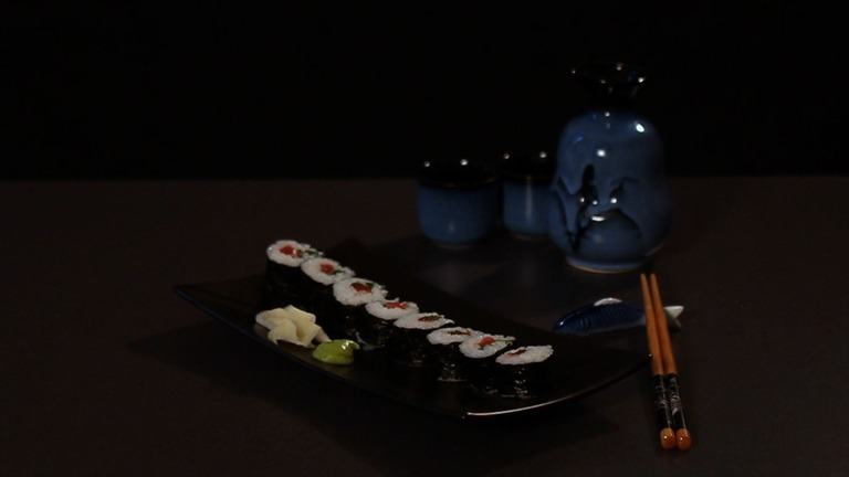 How to Make a Traditional Sushi Roll