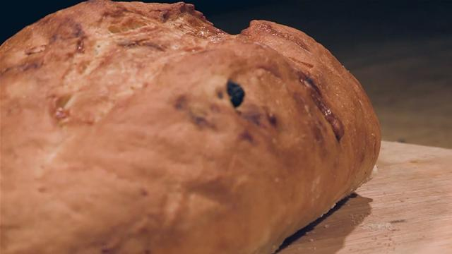 How to Make a Stilton and Raisin Bread