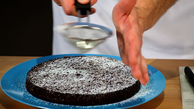 How to Make a Chocolate Cake: Baking the Cake