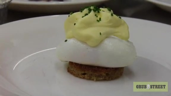How to Make Poached Eggs with Hollandaise