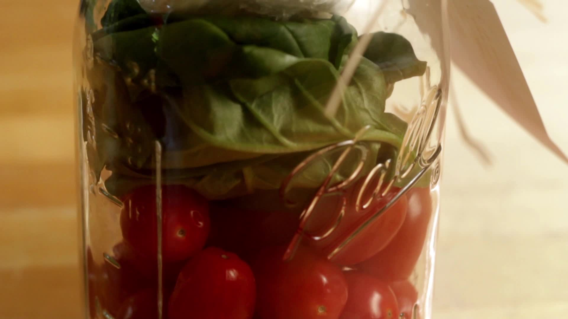 How to Make a Caprese Salad Kit as an Edible Gift
