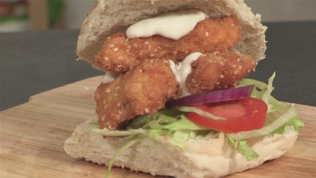 How to Make a Chicken Burger