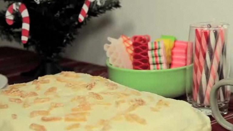 How to Make a Gingerbread Christmas Cake