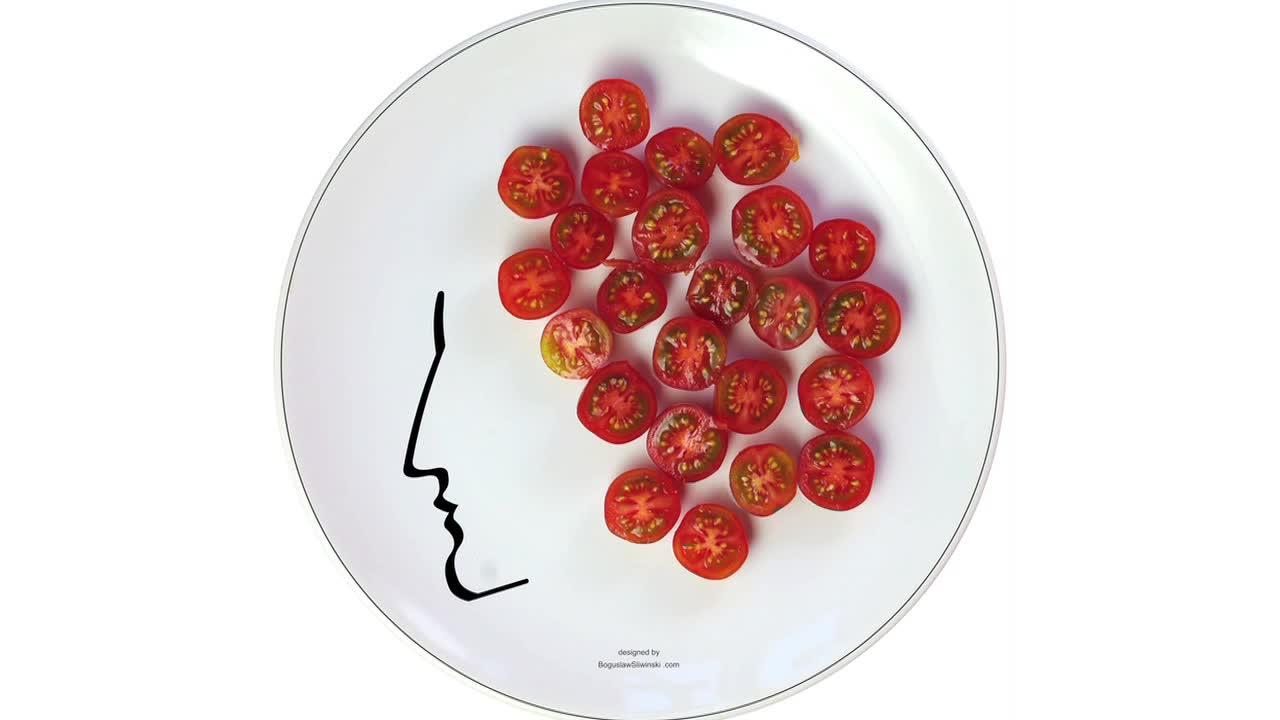 Boguslaw Sliwinski's Dinner Plate Art