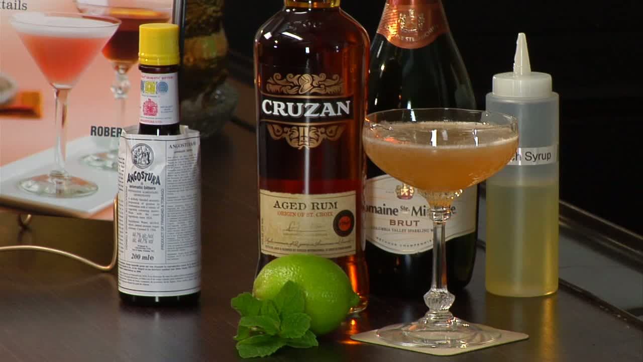 How to Make a Champagne-Topped Old Cuban Cocktail
