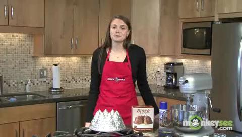 Holiday Bundt Cake Decoration Introduction