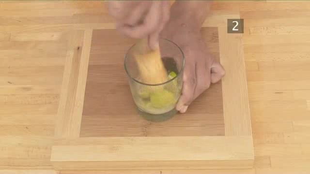 How to Mix Your Own Caipirinha Cocktail