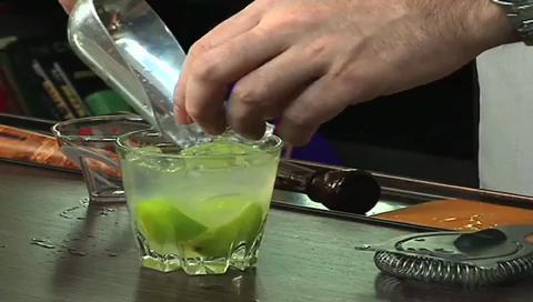 How to Make a Caipirinha Cocktail