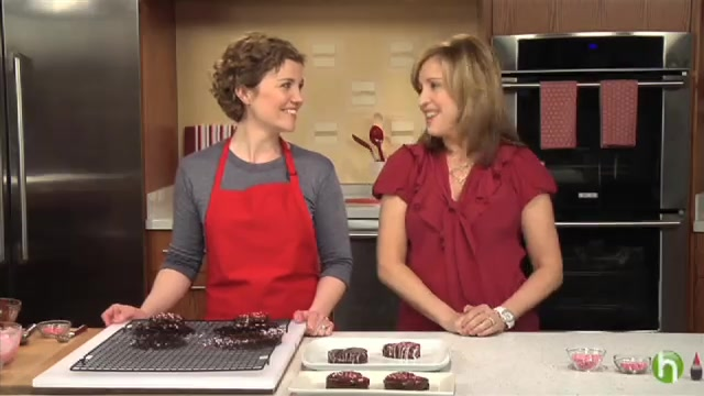 How to Make Heart-Shaped Valentine Brownies