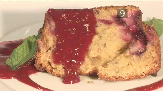 How to Bake Plum and Raspberry Cake