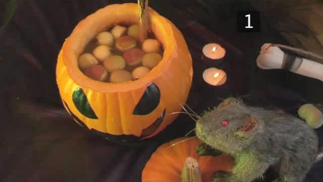 How to Mix Halloween Pumpkin Punch