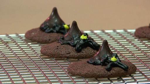 How to Make Wicked Witch's Hat Cookies