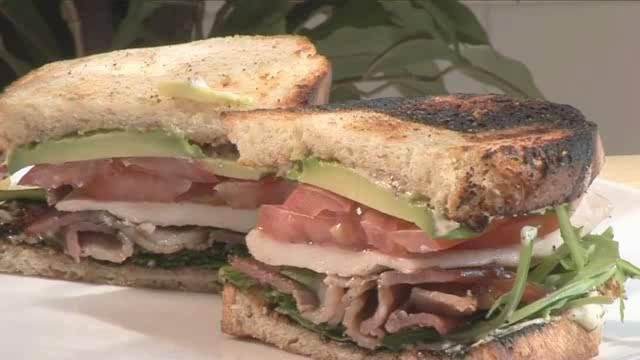 How to Cook Barbecued Chicken 'BLT' Sandwich