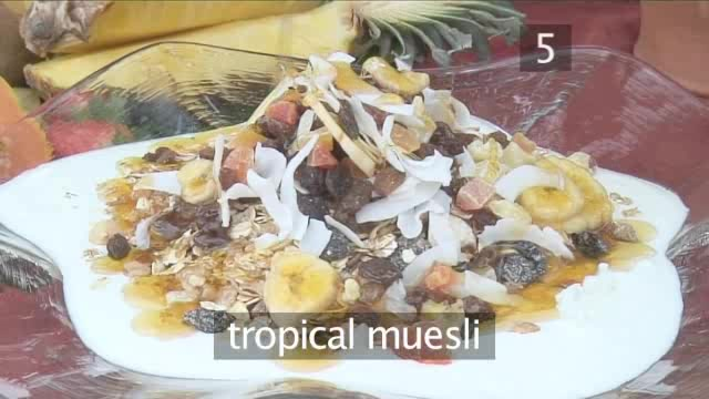 How to Prepare a Tropical Breakfast