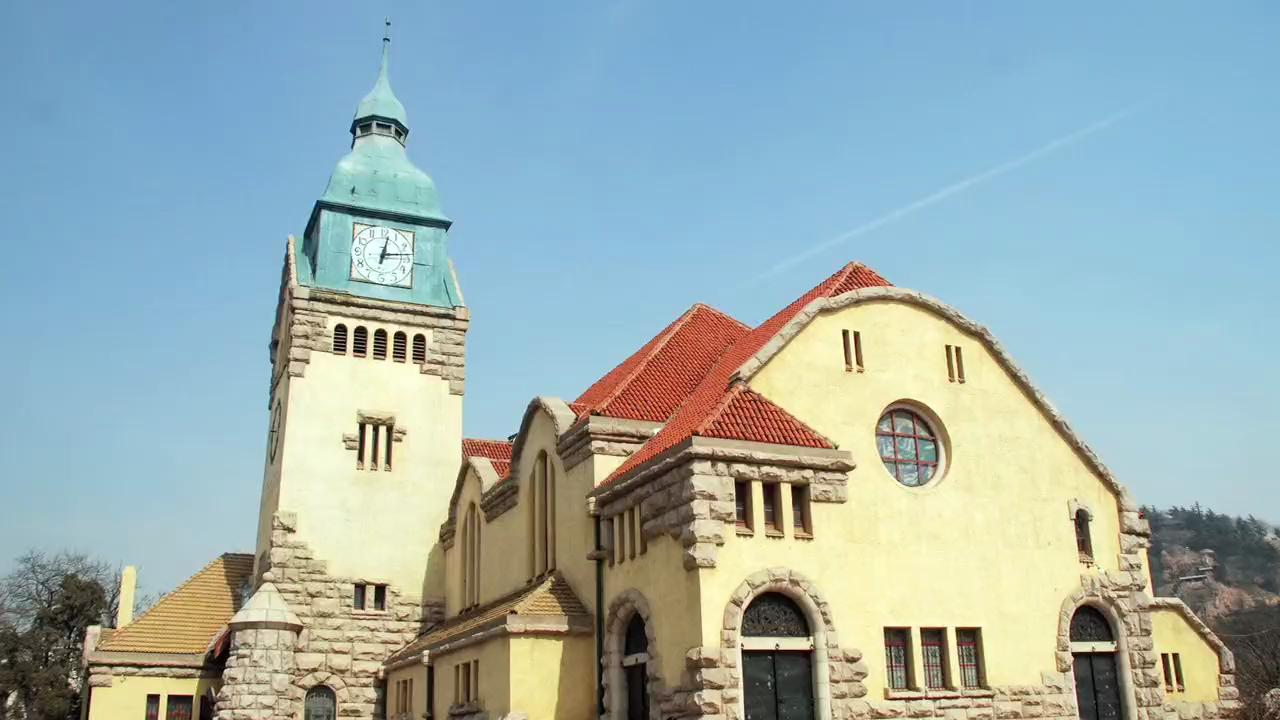 Visit the Qingdao Churches in China