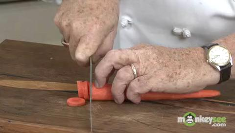 How to Slice Using a Kitchen Knife