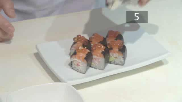 How to Prepare a Sumosan Roll