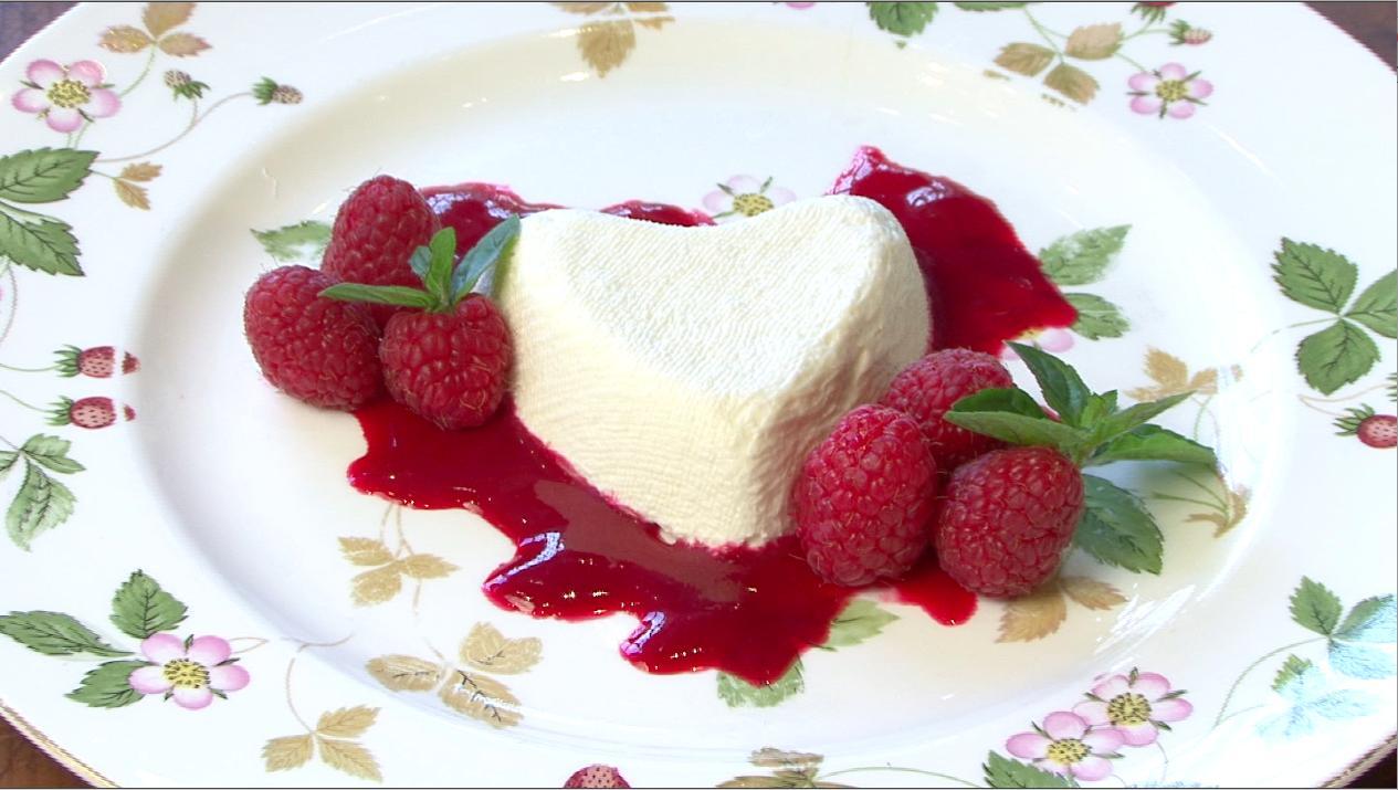 How to Make Coeur À La Crème for Valentine's Day
