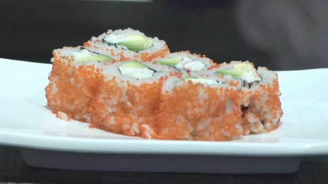 How to Make a Delicious California Roll Uramaki