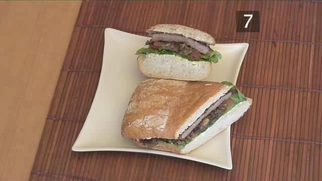 How to Prepare Steak Sandwich with Garlic Mayo