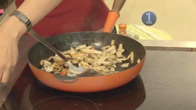 How to Make the Perfect Potato and Aubergine Bhaji