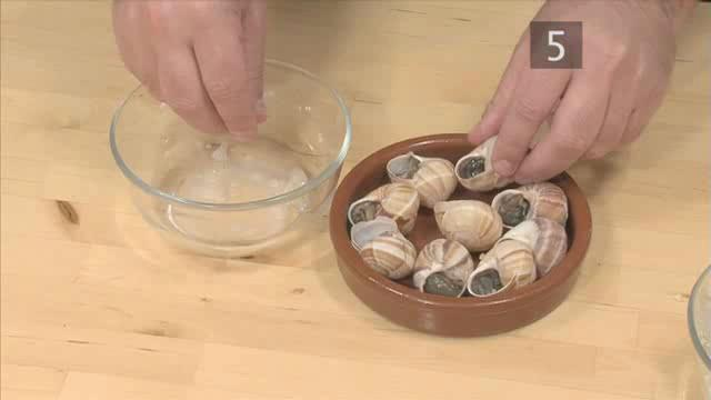 How to Make the Perfect Snails in Garlic Butter