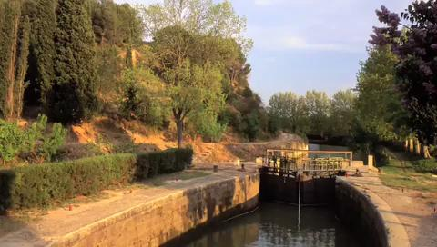 Visit Canal Du Midi in Toulouse, France
