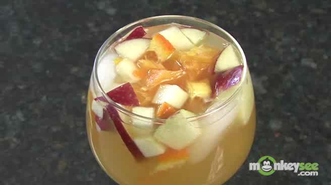 Learn how to Make White Sangria for a Latin Fiesta