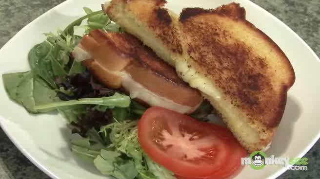 How to Make Grilled Cheese Sandwiches with Tomato Soup