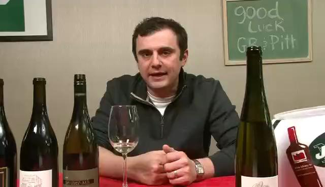 Tasting Red and White Wines From Oregon