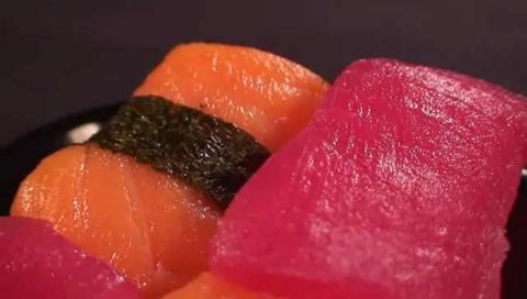 How to Eat Sushi At a Restaurant