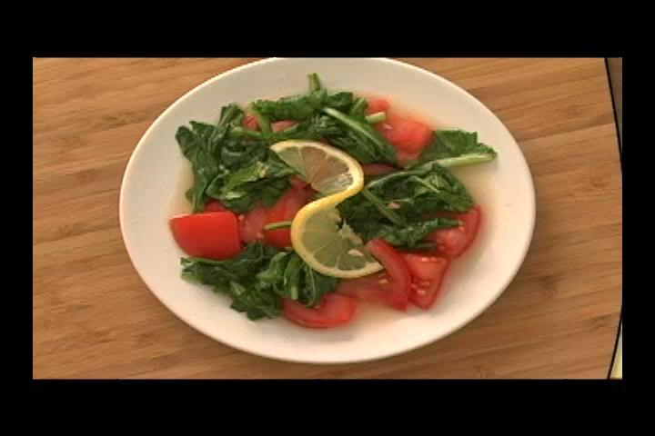 How to Make Turkish Arugula Salad