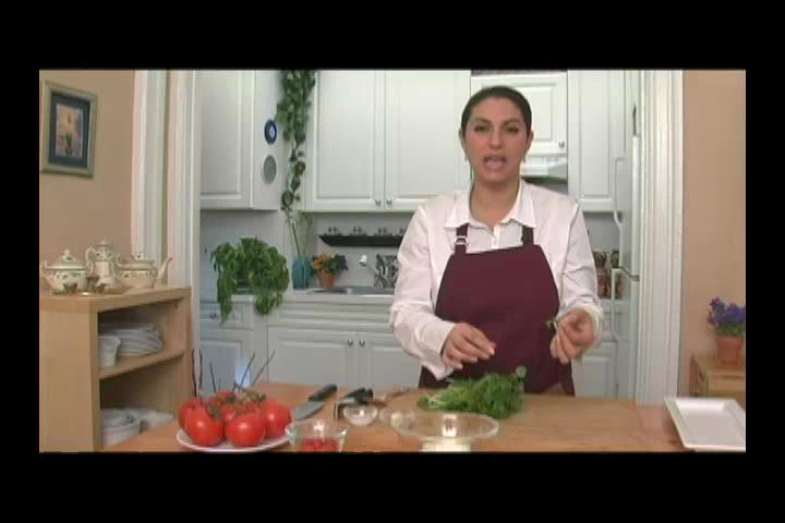 How to Make Yogurtlu Semiz Otu Salatasi