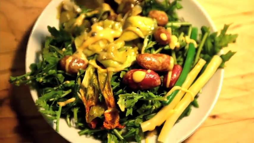 How to Make an Organic Market Salad