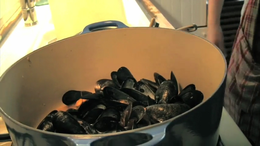 How to Make Mussels and Bluefish